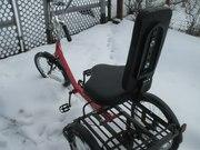 Трехколесный велосипед для инвалидов